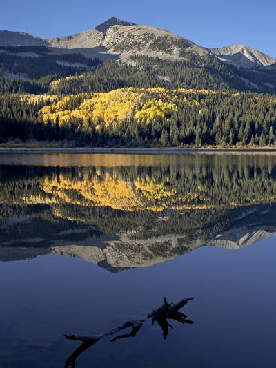 Lost Lake at Dawn in the Fall, Grand Mesa-Uncompahgre-Gunnison National Forest, Colorado, USA-James Hager-Photographic Print