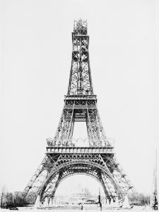 La Tour jusqu'à la plateforme intermédiaire entre le 2e et le 3e étage by Louis-Emile Durandelle
