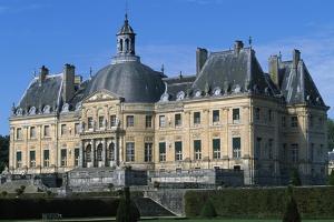 View of Chateau of Vaux-Le-Vicomte, 1656-1661 by Louis Le Vau