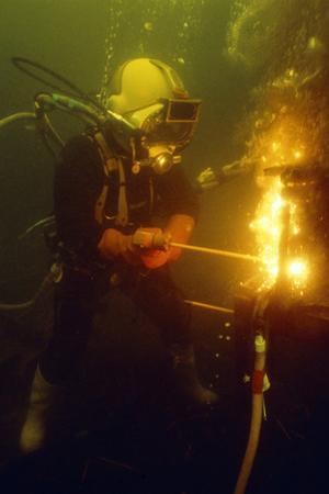 Underwater Welding by Louise Murray