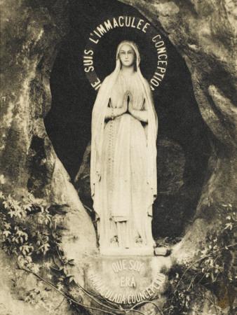 https://imgc.artprintimages.com/img/print/lourdes-the-statue-in-the-grotto_u-l-q108ebj0.jpg?p=0