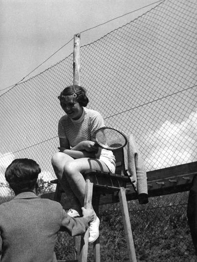 Love on the Tennis Court--Photographic Print