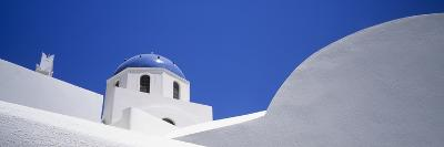 Low Angle View of a House, Oia, Santorini, Cyclades Islands, Greece--Photographic Print