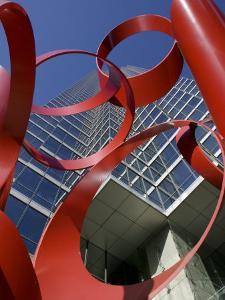 Low Angle View of a Sculpture in Front of a Building, Bank of America Plaza, Dallas, Texas, USA