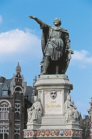 Low Angle View of a Statue in a Market Square--Giclee Print