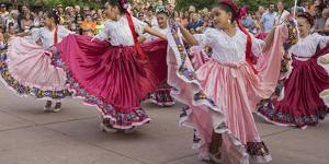New Mexico, Santa Fe. Hispanic Folkloric Dance Group, Bandstand 2014 by Luc Novovitch
