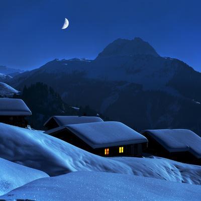 Austria, Kitzbuehel, Snow-Covered Alp (M)