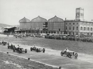 Racing Championship on the Runway of the Littorio by Luigi Leoni