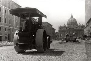 Via Della Conciliazione under Construction by Luigi Leoni