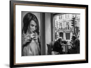 Coffee Conversations by Luis Sarmento