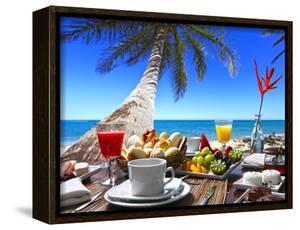 Breakfast Room on the Beach by luiz rocha