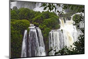 Iguazu Falls by luiz rocha