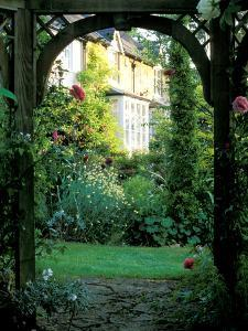 A Romantic Retreat by Lynn Keddie