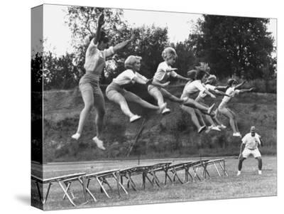Cheerleaders Training under Bill Horan, American Cheerleaders Assn, Florence Alabama State College
