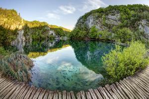 Croatia by Maciej Duczynski