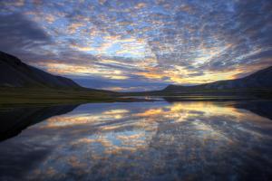 Iceland by Maciej Duczynski