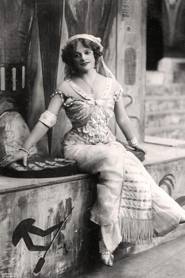 Madge Vincent, Singer and Actress, 1900s--Giclee Print