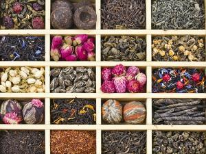 Different Tea Types : Green, Black, Floral , Herbal In A Box Background by Madlen