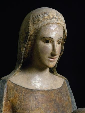 Madonna with Child, Polychrome Wood Sculpture, School of Abruzzi, Italy, 13th Century. Detail