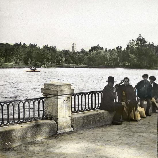 Madrid (Spain), Pond in Buen Retiro-Leon, Levy et Fils-Photographic Print