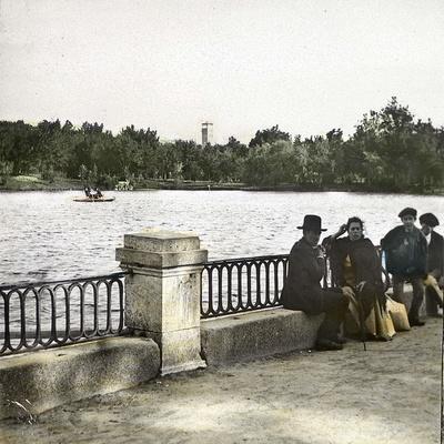 https://imgc.artprintimages.com/img/print/madrid-spain-pond-in-buen-retiro_u-l-q10vw4l0.jpg?p=0