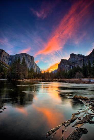 Magical Sunrise at Valley View, Yosemite National Park-Vincent James-Photographic Print