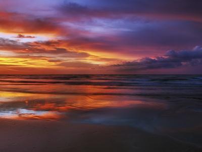 https://imgc.artprintimages.com/img/print/magnificent-sunset-with-monsoon-clouds_u-l-pzlhjv0.jpg?p=0