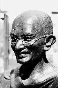 Mahatma Gandhi Bronze Statue, Mumbai, Maharashtra, India, 1983