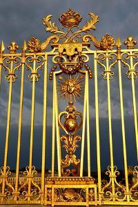 Main golden gates of the chateau de Versailles, Versailles, France.