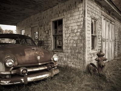 Maine, Potter, Old Gas Station, USA-Alan Copson-Photographic Print