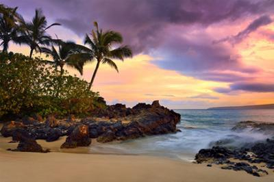 Makena Beach State Park with View towards Molokini Island, Island of Maui, Hawaii, USA