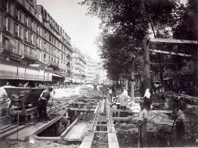 https://imgc.artprintimages.com/img/print/making-the-station-of-st-paul-on-ligne-1-of-the-paris-metro-1903_u-l-p56uj50.jpg?p=0