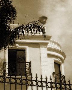 Villa de la Mer by Malcolm Sanders
