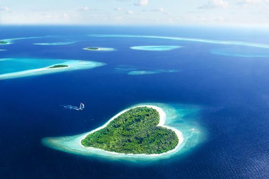 maldivian-heart-shape-island