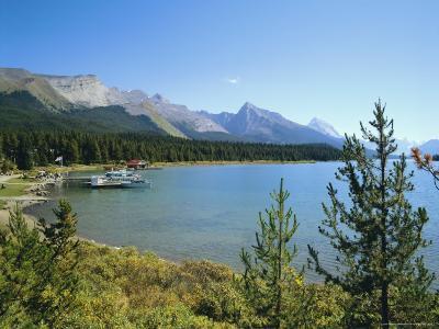 Maligne Lake, Jasper National Park, Rocky Mountains, Alberta, Canada-Hans Peter Merten-Photographic Print