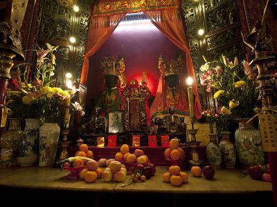 Man Mo Buddhist Temple, Hong Kong, China-Julie Eggers-Photographic Print