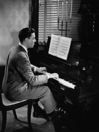 https://imgc.artprintimages.com/img/print/man-playing-piano_u-l-q10bw1p0.jpg?p=0