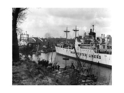Manchester Ship Canal--Giclee Print