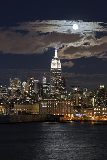 Manhattan, Moonrise over the Empire State Building-Gavin Hellier-Photographic Print