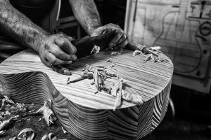 Le Luthier by Manu Allicot