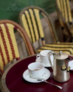 Tea in Paris by Marc Olivier