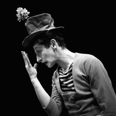 https://imgc.artprintimages.com/img/print/marcel-marceau-the-french-mime-who-created-the-figure-of-bip-a-tragic-white-clown-paris-1951_u-l-q1e4hen0.jpg?p=0