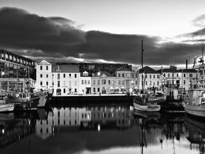 Hobart Wharf 1 by Margaret Morgan