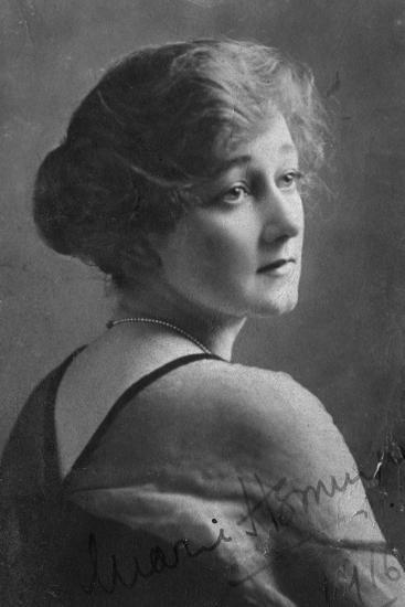 Marie Hemingway (1883-193), English Actress, 1916-Elliott & Fry-Giclee Print