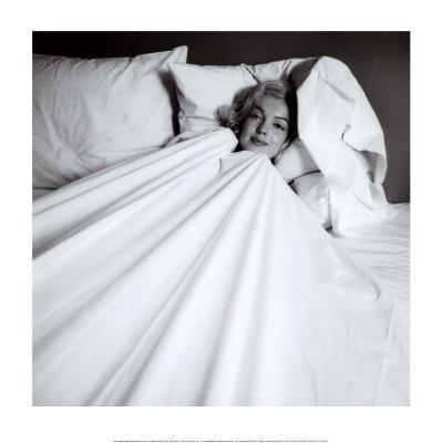 https://imgc.artprintimages.com/img/print/marilyn-in-bed_u-l-e82af0.jpg?p=0