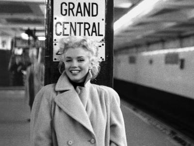 Marilyn Monroe, Grand Central-Ed Feingersh-Art Print