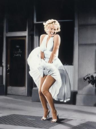 https://imgc.artprintimages.com/img/print/marilyn-monroe-in-the-seven-year-itch-1955_u-l-pwglk40.jpg?artPerspective=n