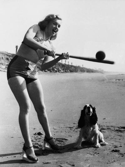 Marilyn Monroe Playing Softball--Photographic Print