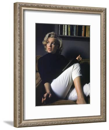 Marilyn Monroe Relaxing at Home-Alfred Eisenstaedt-Framed Premium Photographic Print
