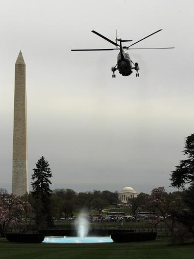 Marine One, with President Barack Obama Aboard, Leaves the White House in Washington--Photographic Print